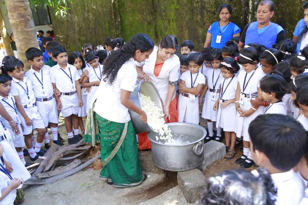 best-cbse-schools-in-guruvayur-Homely Food Promotion